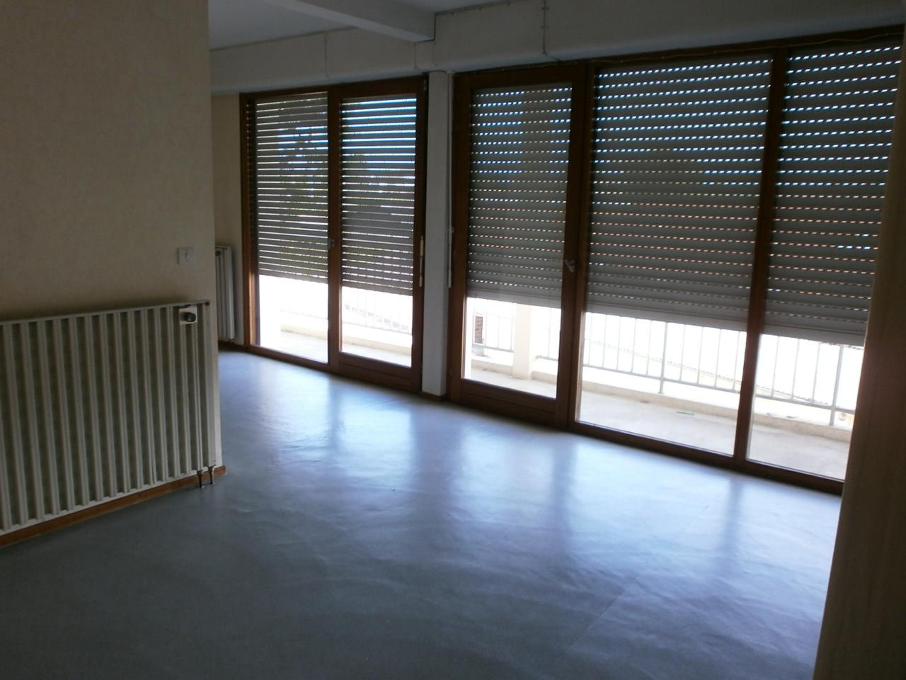 Annonce location appartement libourne 33500 35 m 365 for Appartement libourne